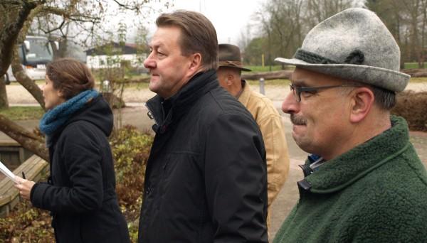 Bürgermeister Klaus Schellenberg (2.v.l.) und Betriebsleiter Ewald Marquardt führten kompetent und engagiert.