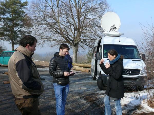 Prächtiges Abfuhrwetter beim Radiomobilbesuch. (Bild: Hans Wener)